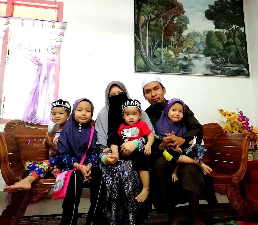Aina's Family.jpg
